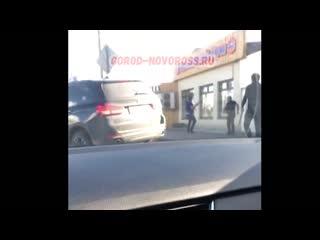 А тем времени конфликт армян и азербайджанцев продолжается уже на территории России