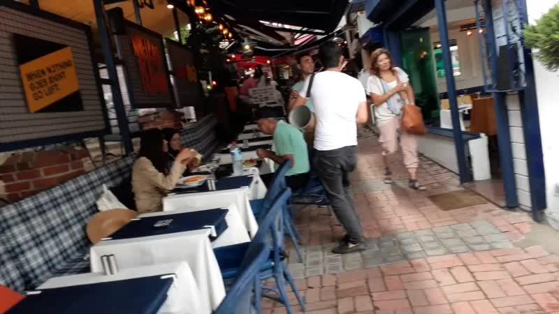 Песня для Гулданы в ресторане в Стамбуле