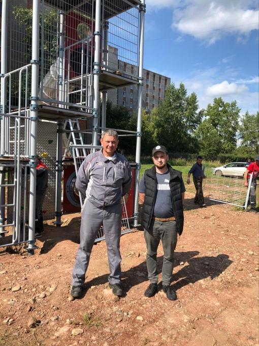 С Управляющим директором Братского алюминиевого завода Зенкиным Е.Ю. на строительстве площадки.