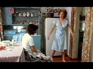 """А вы знаете позу ХА :-) Кадр из фильма """"Маленькая Вера"""""""