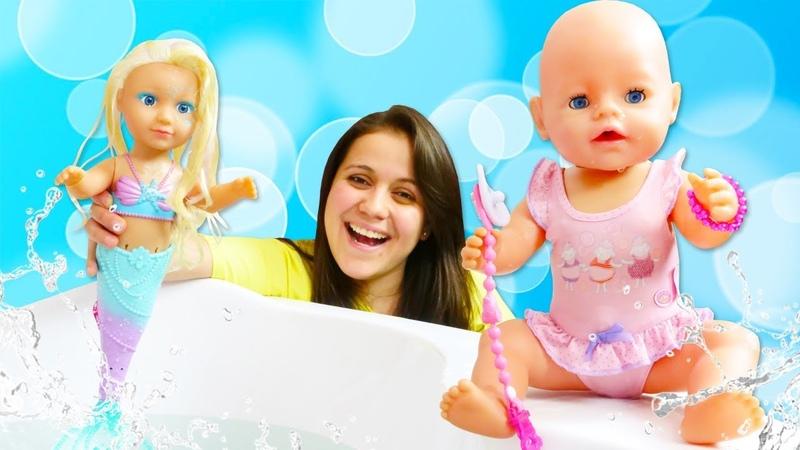 La sirenita de juguete La muñeca bebé Baby Born Videos de juguetes sorpresas divertidas lol