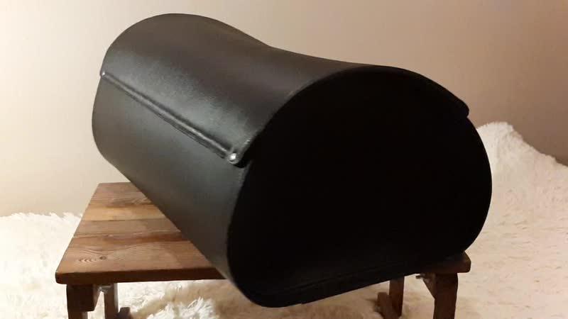 Кожаный центральный кофр на мот mp4