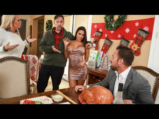 [Brazzers / BigButtsLikeItBig] Luna Star - Horny For The Holidays Part 3 (19 12 25)