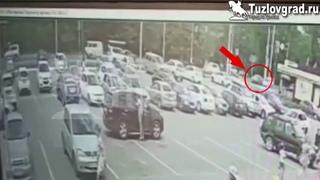 В Новочеркасске потерявший сознание на ходу водитель протаранил две машины