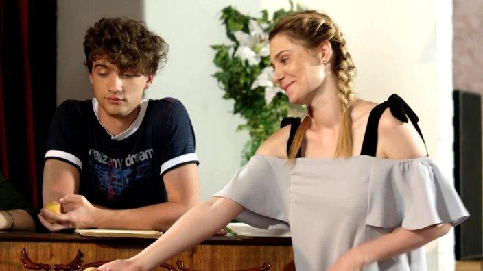 Смотреть онлайн сериал Цыганка 1 сезон 21 серия бесплатно в хорошем качестве