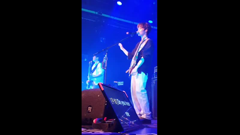 Woosung improvising these lyrics - TheRose theroseinamsterdam theroseineurope 더로즈 김우성 WOOSUNG