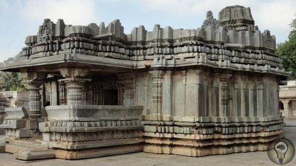Комплекс Шраванабелагола - результат применения высоких технологий В Индии сохранилось много древних храмов с интересной архитектурой. Комплекс Шраванабелагола в одноименном городе - один из
