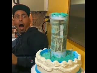 Мне бы такой тортик !