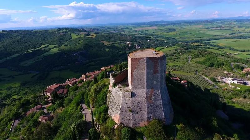 Замок Рокка Алдобрандеска в тоскане | Castle (tower) Rocca Aldobrandesca in toscana