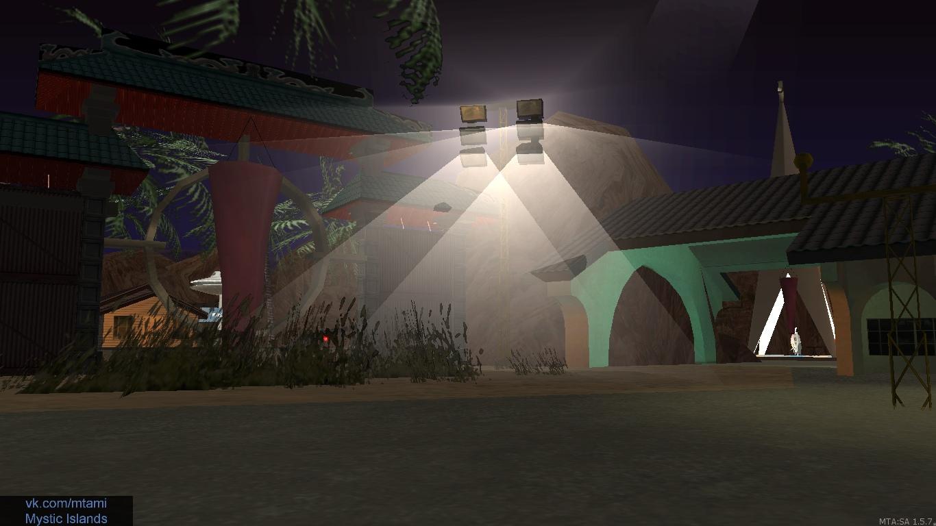 В ночное время база светлых полностью преобразуется — везде свет горит и огни.