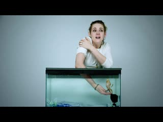 Can Kristen Stewart guess whats inside this Underwater-inspired mystery box
