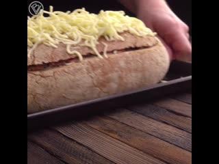 Берем буханку хлеба, разрезаем и... вкусный ужин уже на столе!