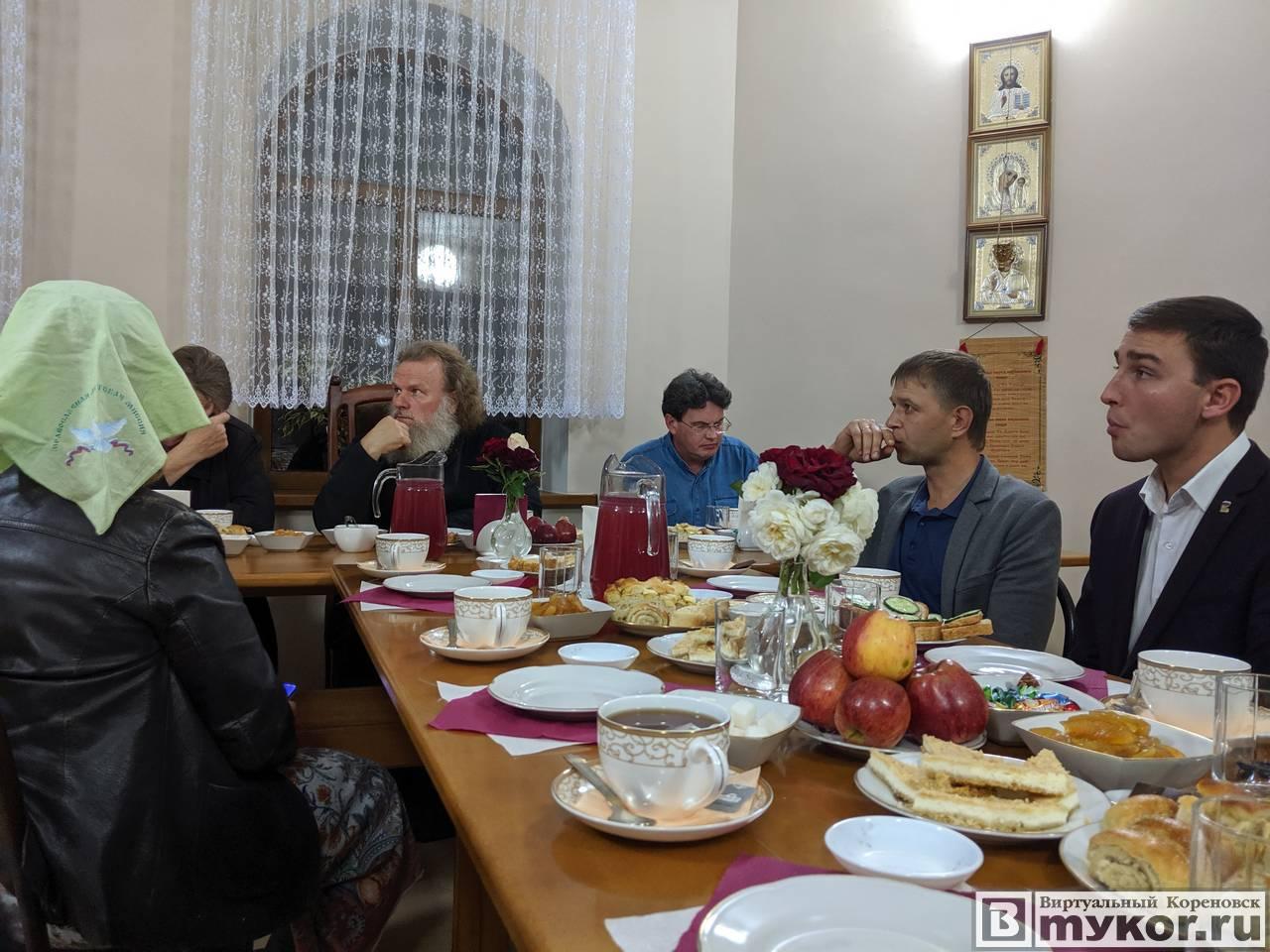 Собрание по поводу обустройства Сквера вечной памяти в Кореновске