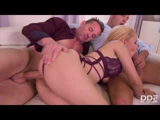 Natasha Teen - Latina BombshellS DP Fantasy порно porno