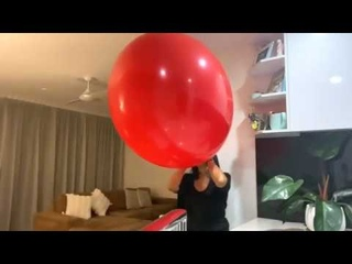 """Giant Red Balloon 🎈 Blowing Up a 36"""" (90cm) Balloon!!"""