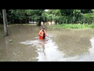 Опубликовано видео последствий сильного дождя в Евпатории