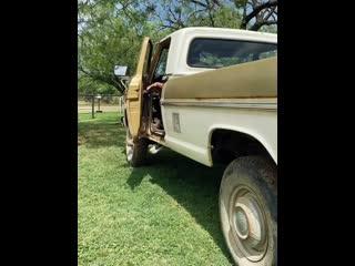 Gas Monkey Garage - Ford 69 F250.