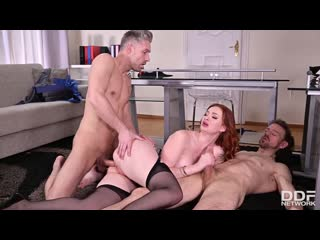 Zara DuRose - Milf In The Middle порно porno русский секс домашнее видео hd