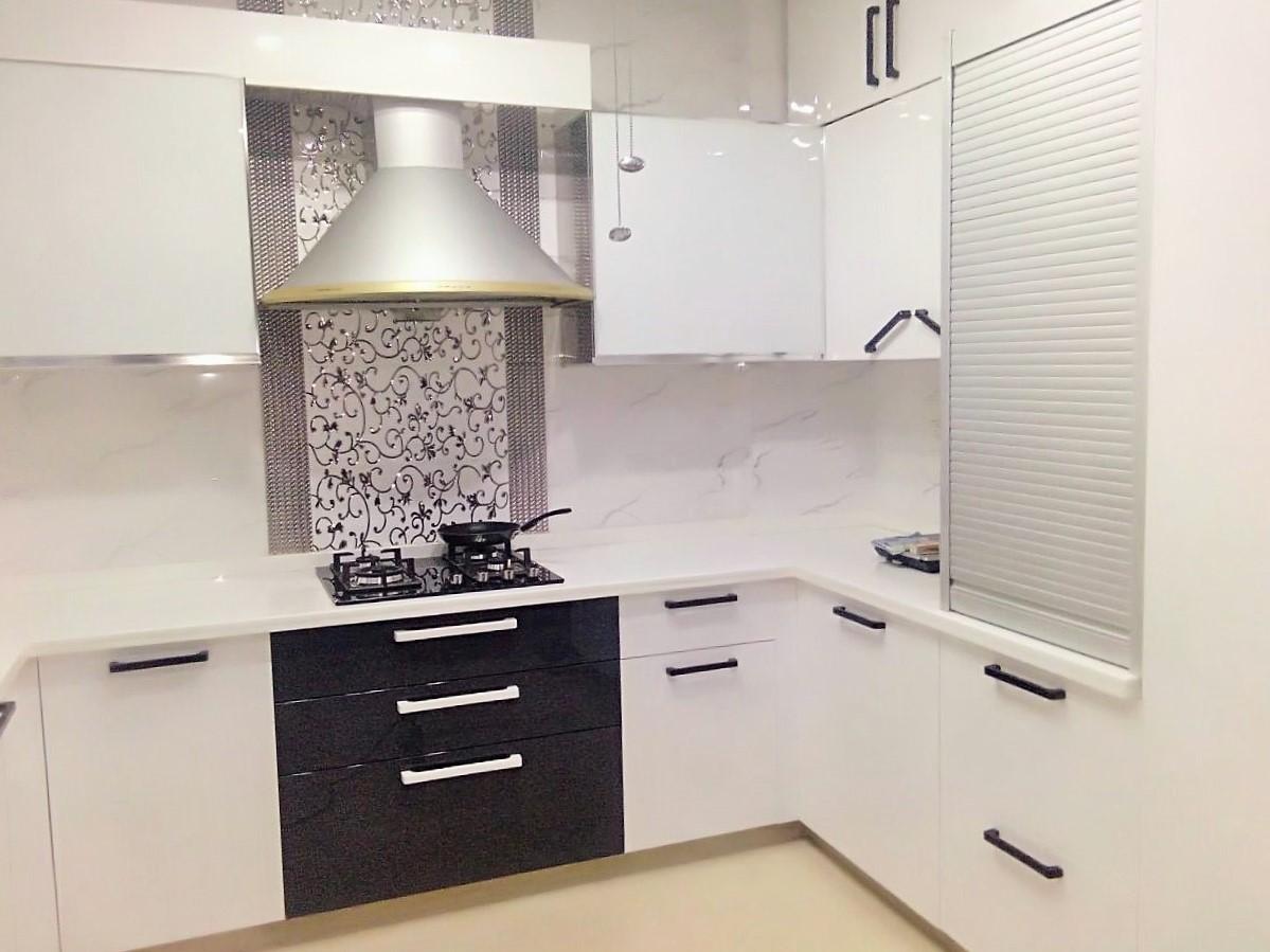 Планировка маленькой угловой кухни