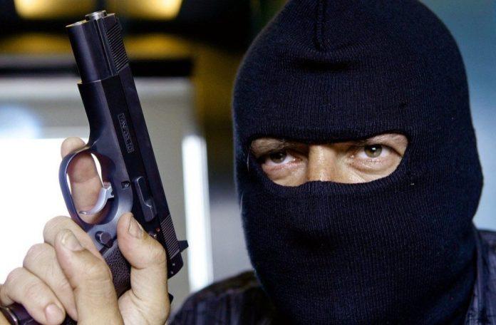 В Луганске обворовали, а затем убили семью директора ювелирного магазина