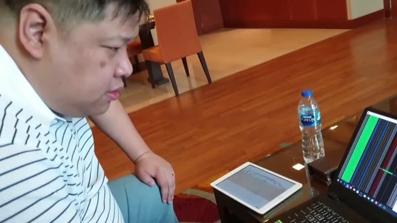 Ronald Aai демонстрирует работу торгового робота Cloud Token