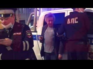 Михаил Ефремов в состоянии сильного алкогольного опьянения устроил ДТП в центре Москвы