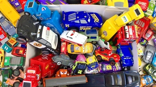 Машинки Игрушки Большая Коробка Тачки Молния Маквин и Друзья из Мультфильма