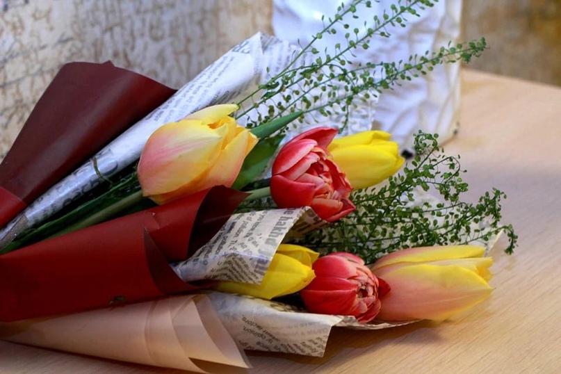 50 % мужчин искренне любят праздник 8 Марта