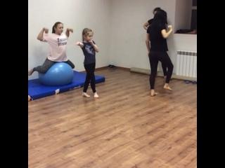 «NOVA DANCE» - студия танца и акробатики. kullanıcısından video