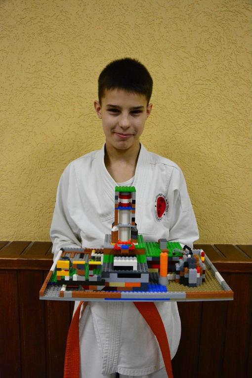 Киселёв Вячеслав. Станция по генерированию энергии Ки. Конструктор Лего.