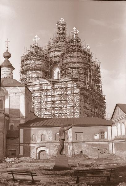 Реставрация фасадов и глав Софийского собора.Фото конца 1950-х годов из собрания ВГИАХМЗ