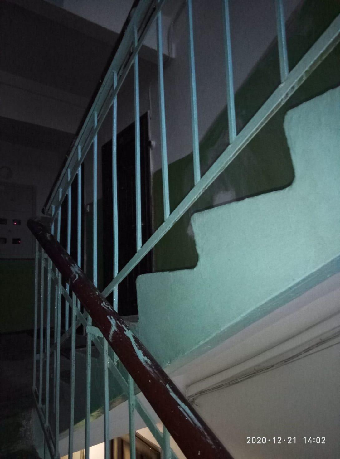 Покраска решеток перил 4 подьезд Добролюбова 21