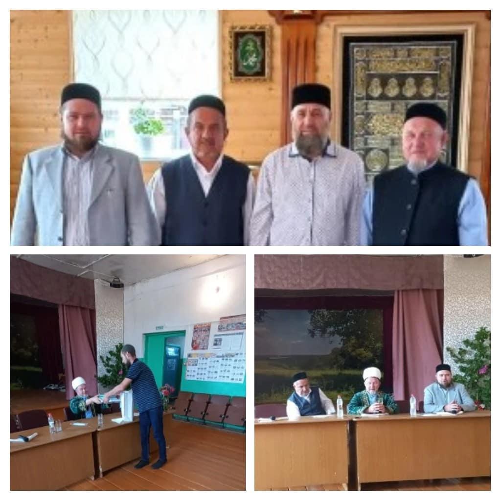 Жители села Новая Усть-Уза Петровского района встречали гостей из Татарстана
