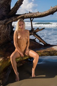 Naomi Keen
