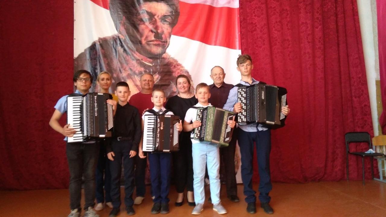 Юные музыканты дали концерты в школах Петровска