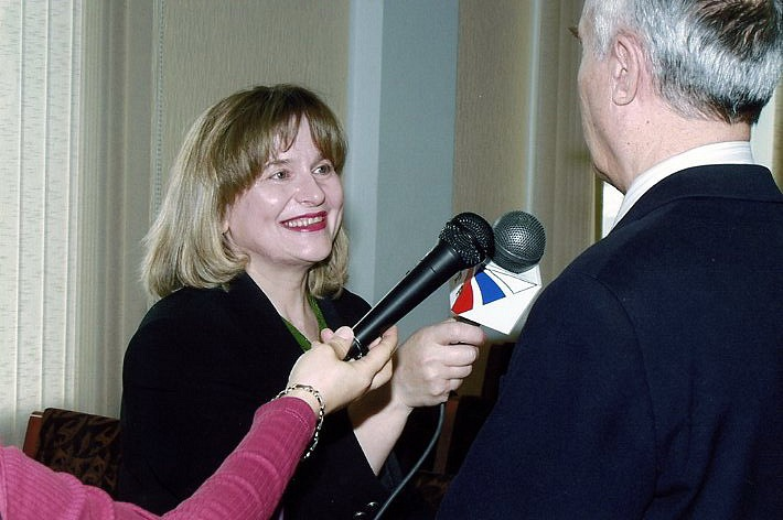 Людмила Шестеркина: «Если ты принадлежишь журналистике – она подарит тебе весь мир», изображение №3