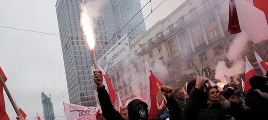 Криками о «белорусской диктатуре» власти Польши скрывают раскол у себя в стране