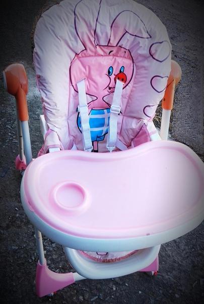 Продам стульчик для кормления. Регулируется высота. Спинк...