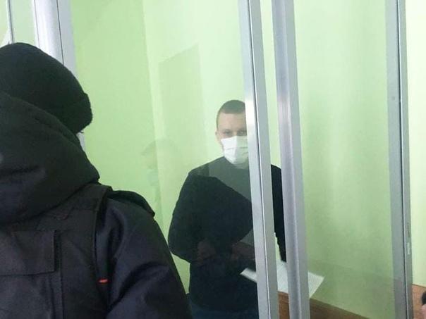 Гомельчанин получил два с половиной года колонии за выбитый из рук сотрудницы милиции телефон