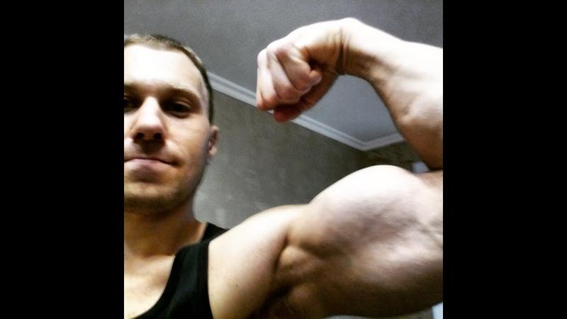 Качаю мышцы и плавлю жир😎 Shaking muscles and melting fat 😎