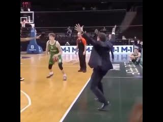 Когда тренер полностью в игре