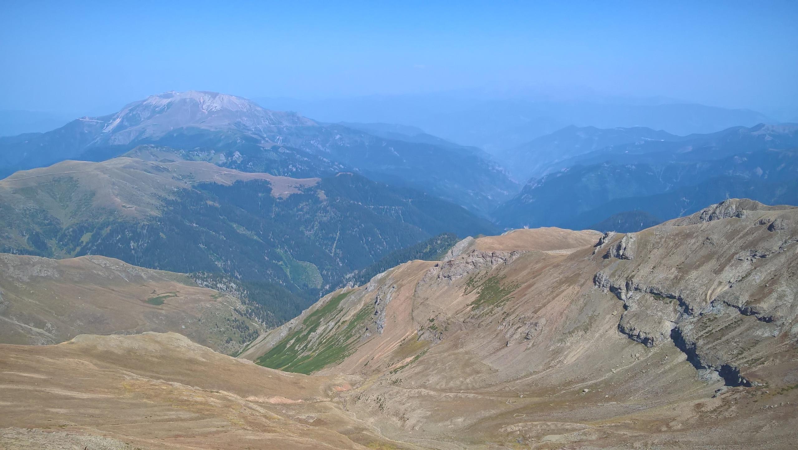 Вид на долину Хатила со хребта Качкар