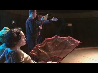 Подсмотрено на репетиции спектакля «Алиса в стране чудес» видео- Анастасия Герасимова