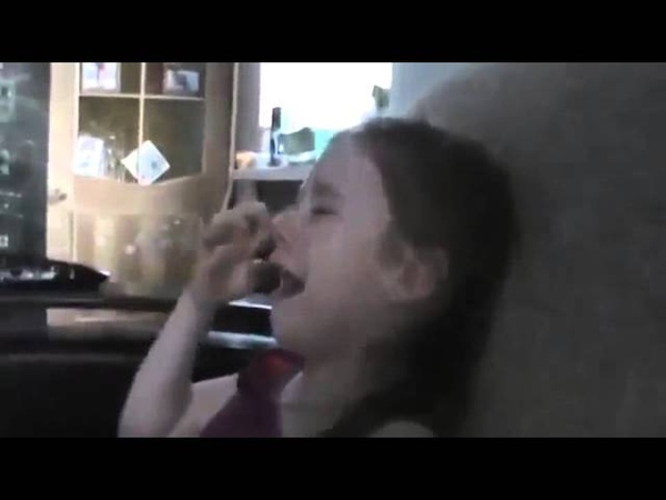 Девочка плачет на закрытии Олимпиады