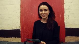 Ирена Понарошку читает русскую народную сказку «Лисичка со скалочкой» для Дениса, Дианы и Виктории