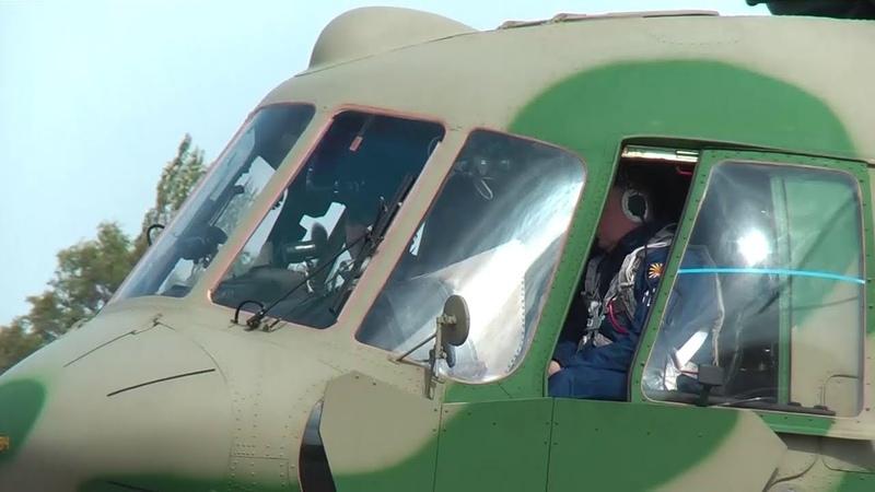 Освоение новых вертолетов Ми-8МТВ5-1 на российской авиабазе Кант в Киргизии