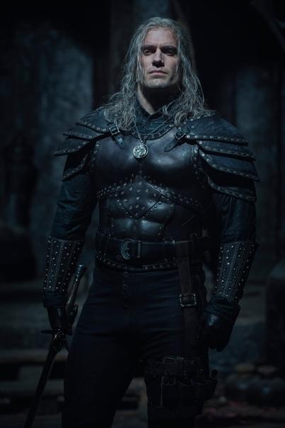 Первый взгляд на Генри Кавилла во втором сезоне «Ведьмака»